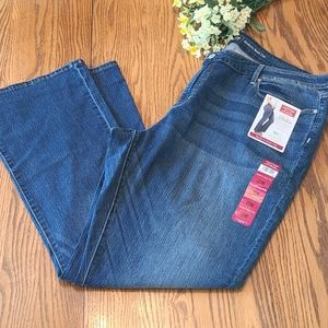 NWT Levi's boot cut jeans